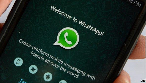 Whatsapp launches desktop messaging option